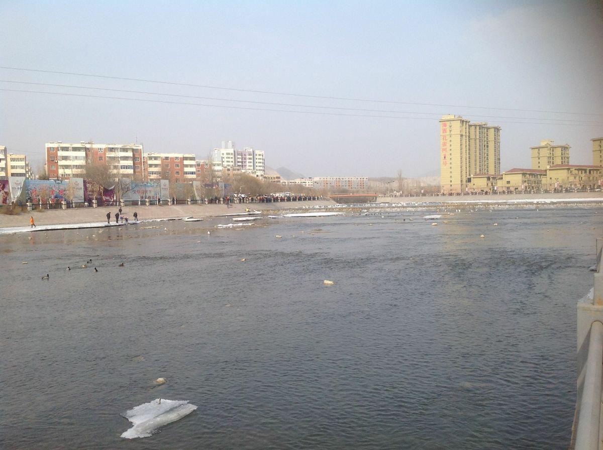 美丽的孔雀河