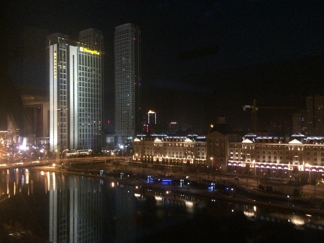 欧式富豪公寓夜景