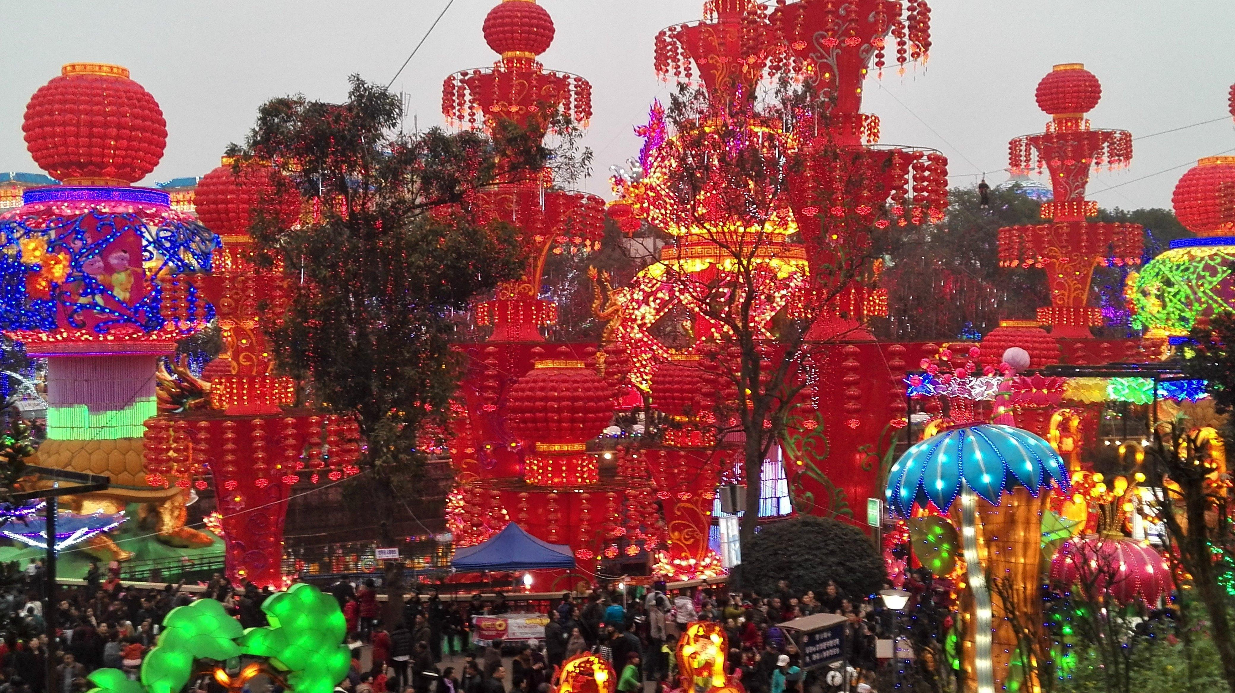 加游站#自贡灯,恐龙博物馆,乐山大佛春节游记拉萨市景点攻略图片