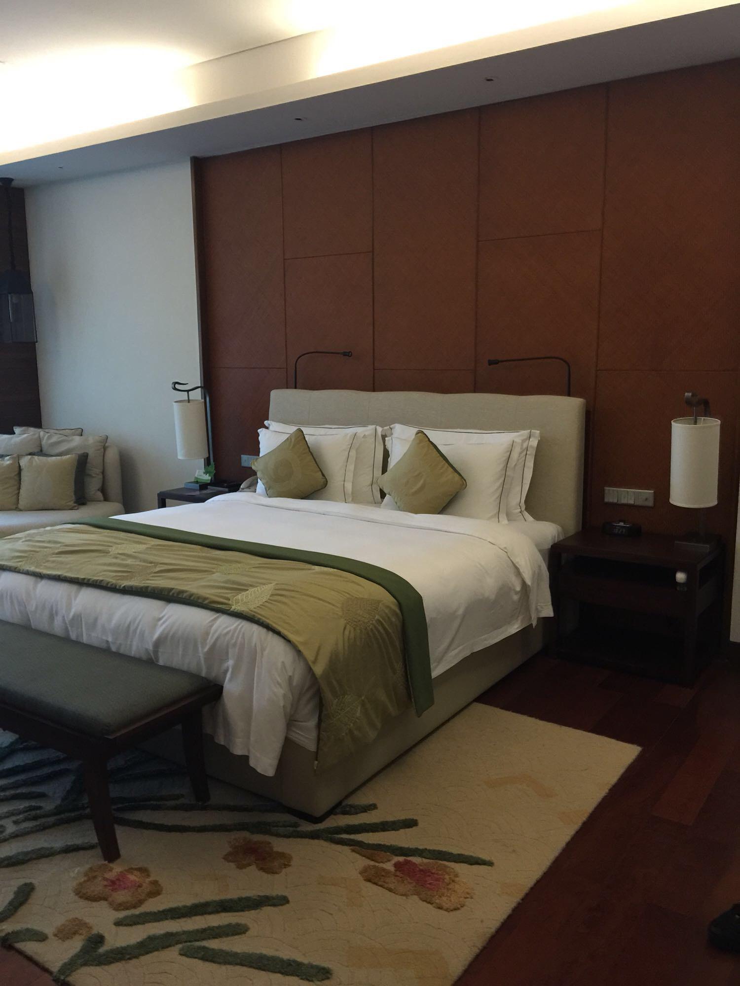 卧室自拍_背景墙 房间 家居 设计 卧室 卧室装修 现代 装修 1500_2000 竖版 竖