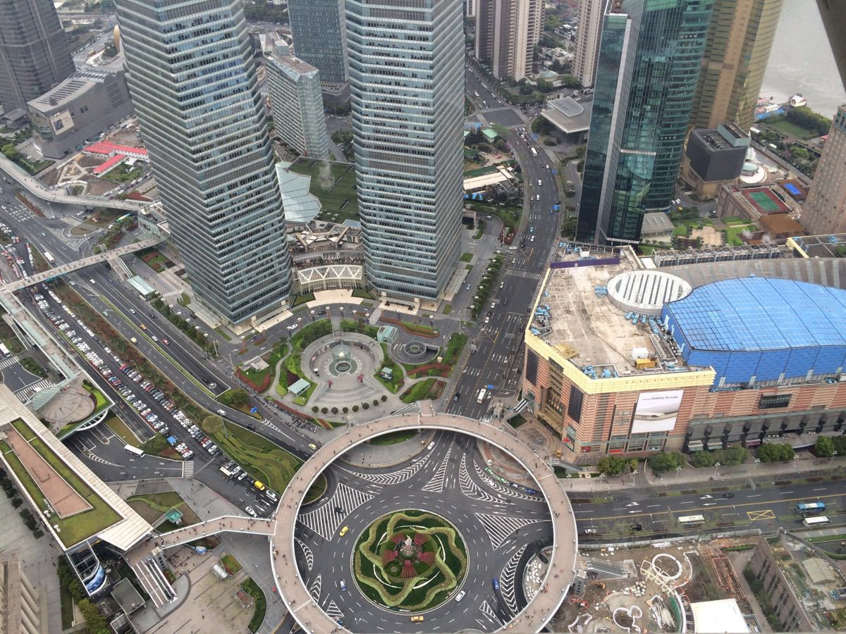 【携程攻略】上海东方明珠景点,398米的玻璃观光走廊图片