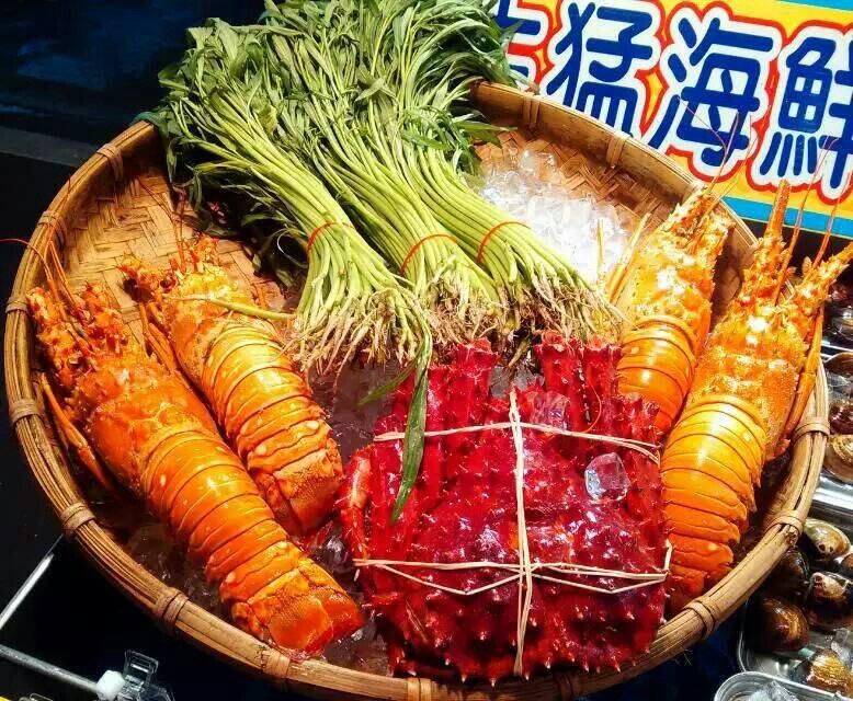 台湾高雄六合夜市真是高大上,龙虾,螃蟹,对虾,鲍鱼,海鲜图片