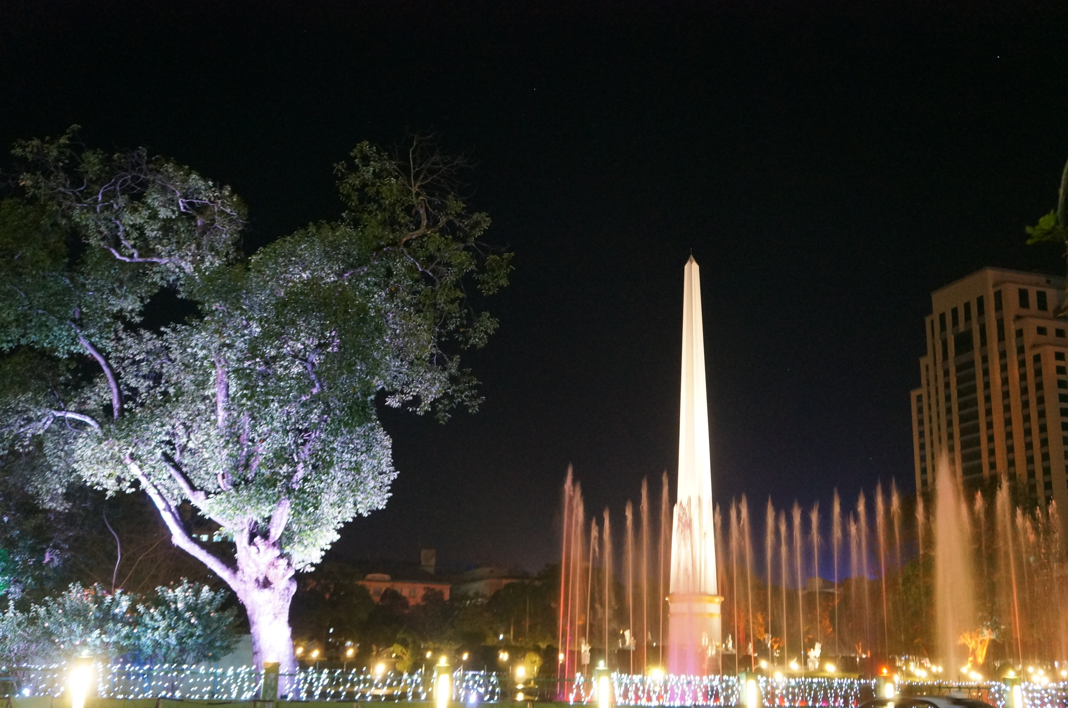 欧式喷泉广场夜景