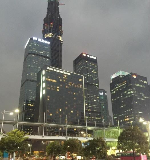 【携程攻略】广东深圳会展中心适合朋友出游旅游吗