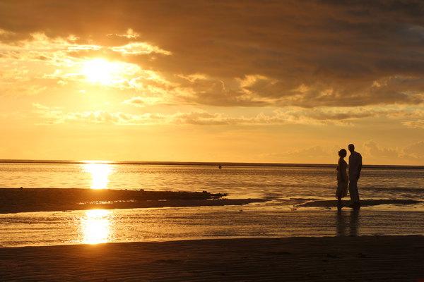 孤独男生夕阳背影头像