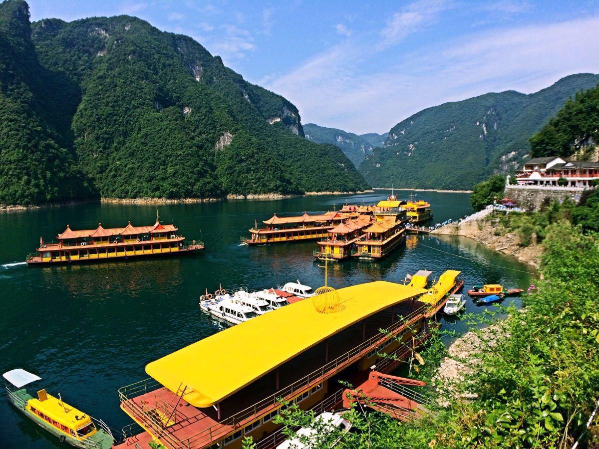 湖北清江画廊景点 清江画廊包含倒影峡 仙人寨 武