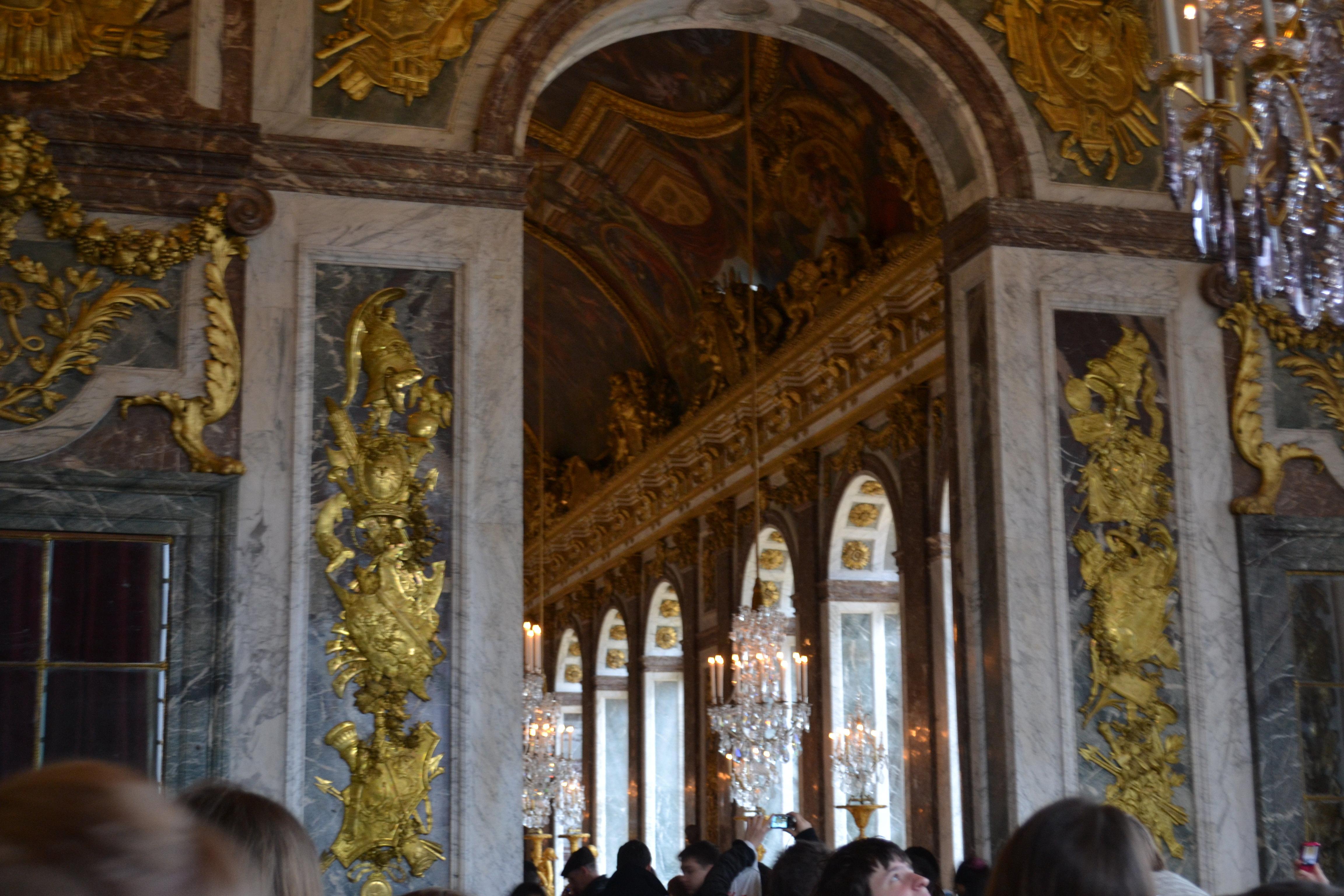 皇宫也就是凡尔赛宫的一部分,这里面积非常大,宫殿图片