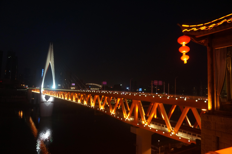 重庆轻轨-千厮门大桥