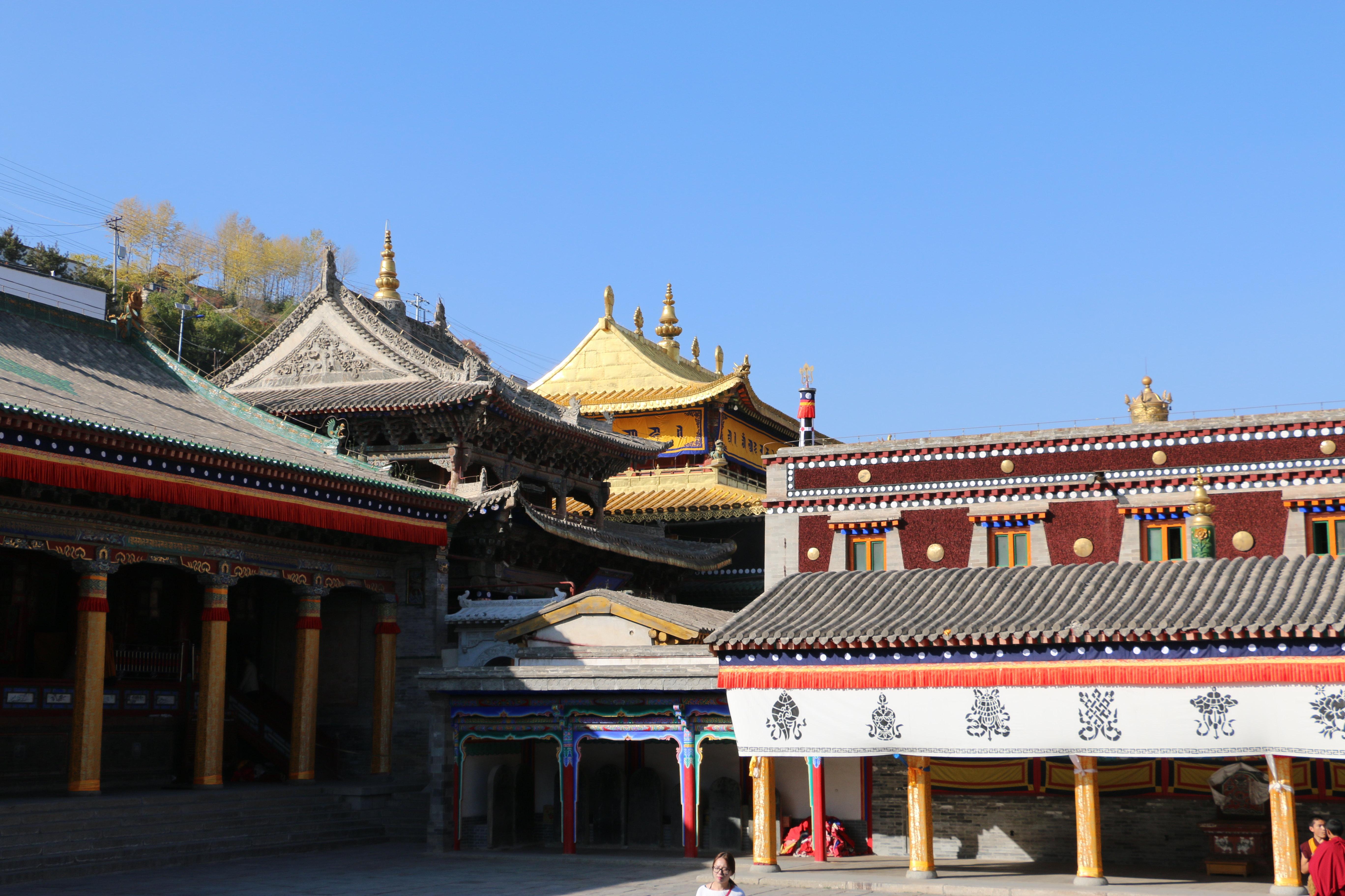 塔尔寺位于青海省西宁市湟中县,建于明嘉靖三十九年(公元1560年)