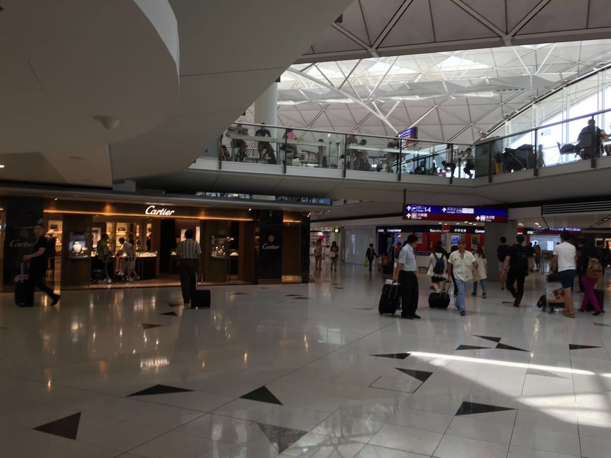 在香港机场的免税店可以买到什么好东西吗