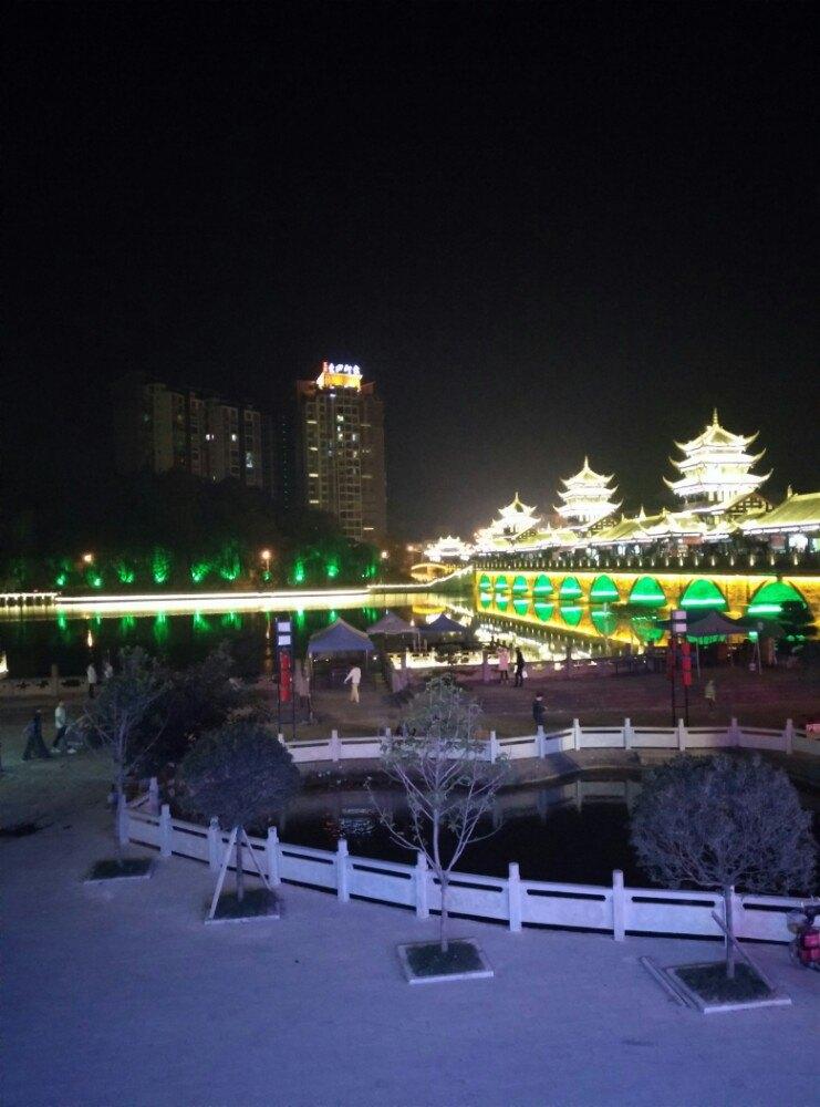 最有名的景点当属罗江县和德阳市之间的白马关 最有名的景点当属罗江