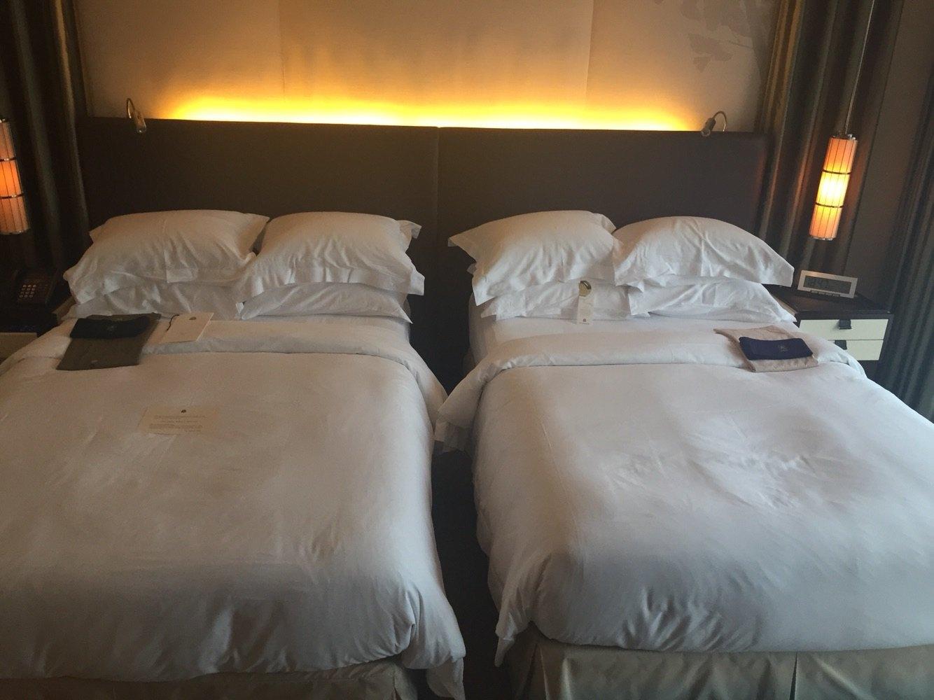 背景墙 房间 家居 酒店 设计 卧室 卧室装修 现代 装修 1334_1000