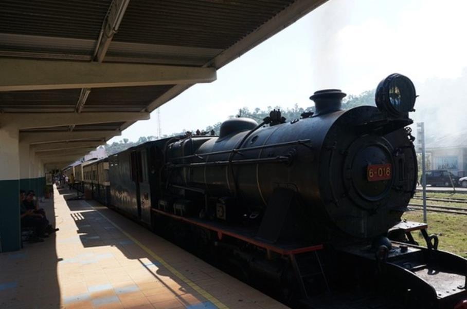老式火车内部结构