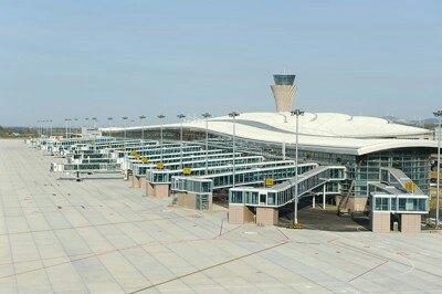 非常漂亮的飞机场设施完善感觉看著像首都机场有没有