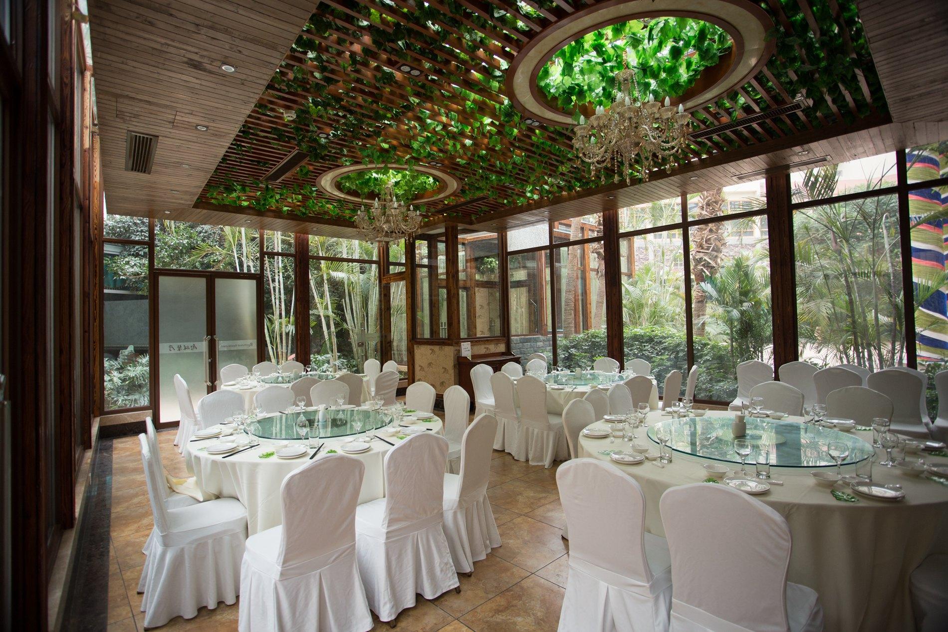 热带雨林中餐厅