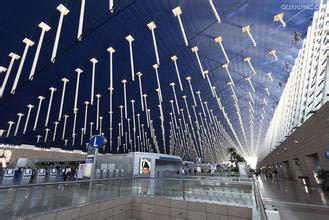 上海浦东机场国内.国外出发层是在一个位子吗