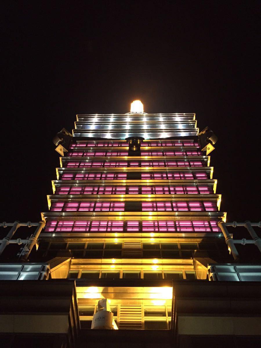 夜晚大楼玻璃素材