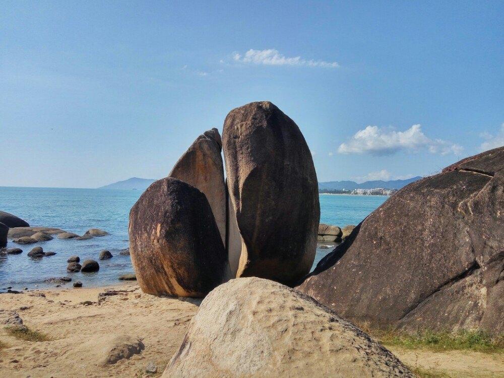 【携程攻略】海南天涯海角景点,湛蓝的大海,礁石如