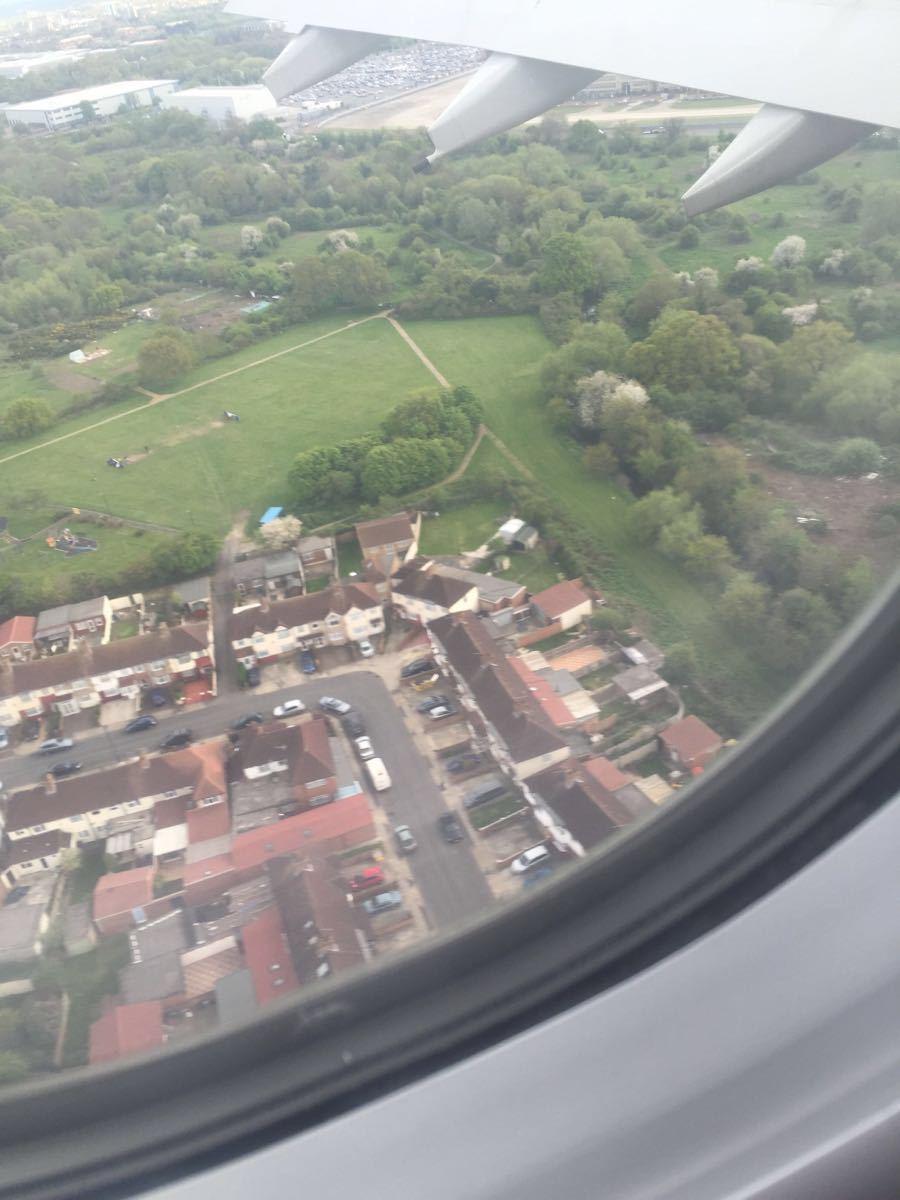 飞机上就能看到塔桥,伦敦眼