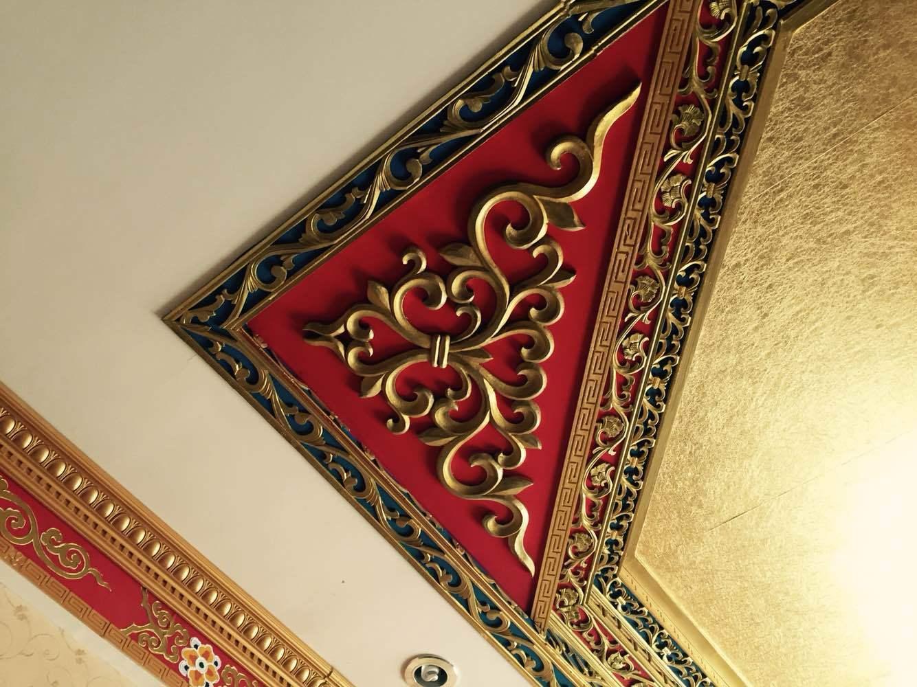 0分2015年08月入住 商务单间 藏式风格,不错,看吊顶设计艳丽,花纹精致图片