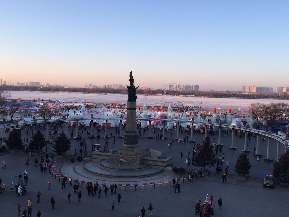 哈尔滨市人民防洪胜利纪念塔图片