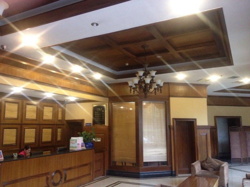 房间装修是欧式风格,有些自然旧的感觉