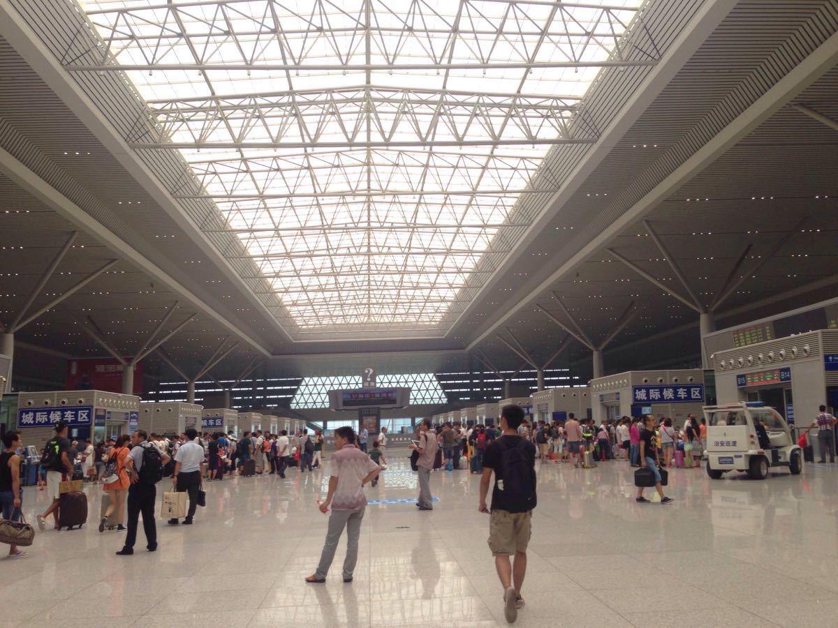 【携程攻略】郑州东站