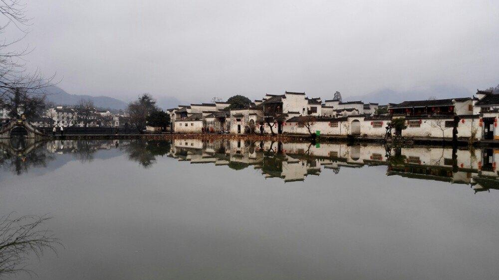 宏村房子水粉画