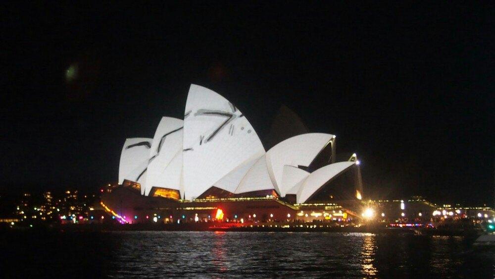 悉尼歌剧院,以特色的建筑设计闻名于世