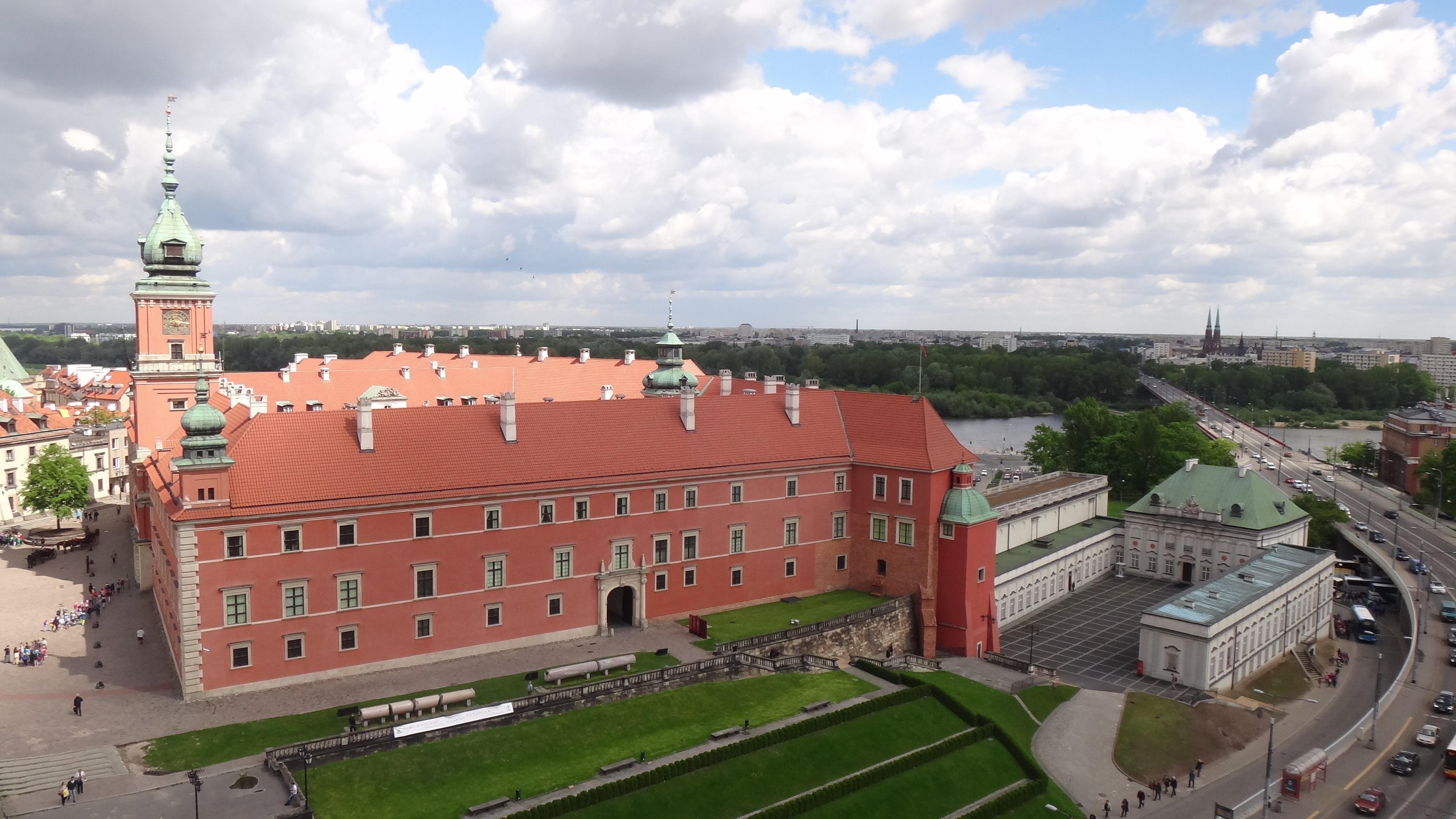 内部装饰比起西欧大国的皇宫稍显逊色图片