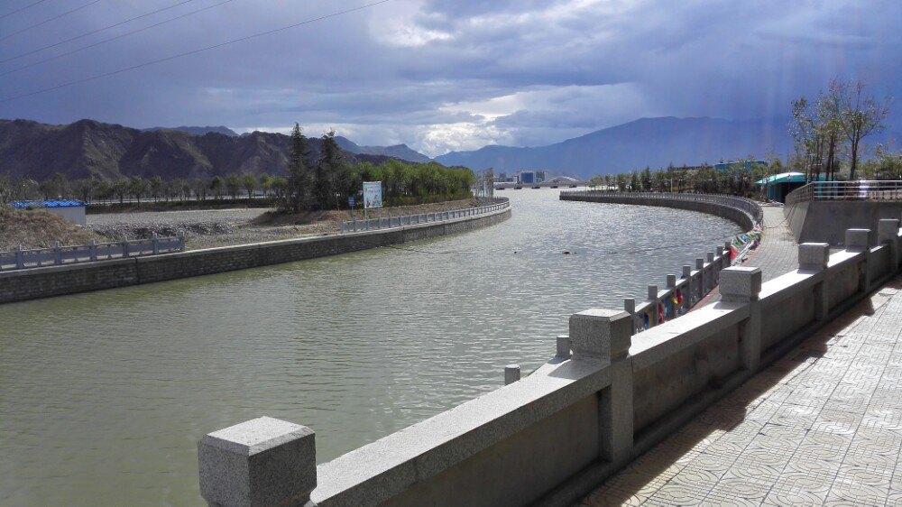 【携程攻略】拉萨拉萨河景点,这里风景绣丽,气候宜人.