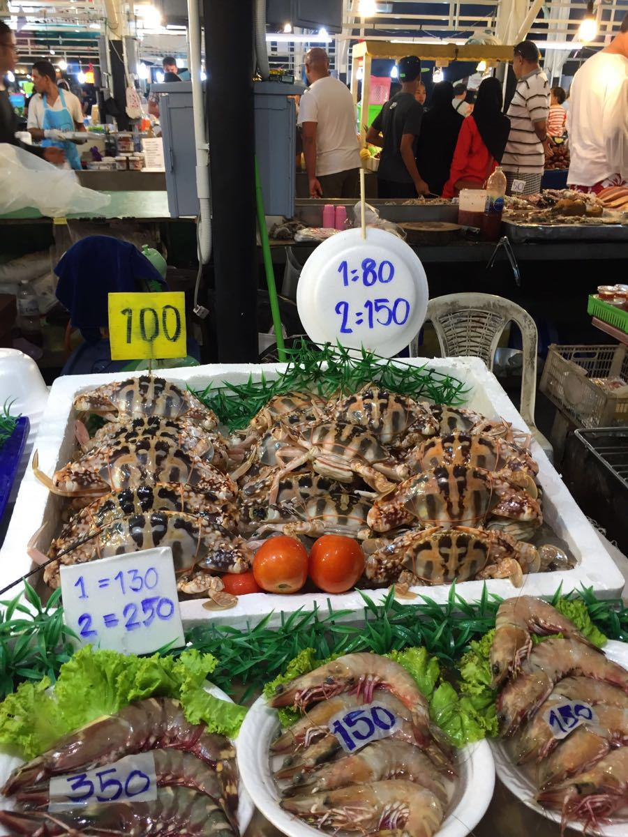 【携程攻略】普吉岛芭东夜市购物,便宜的各种海鲜