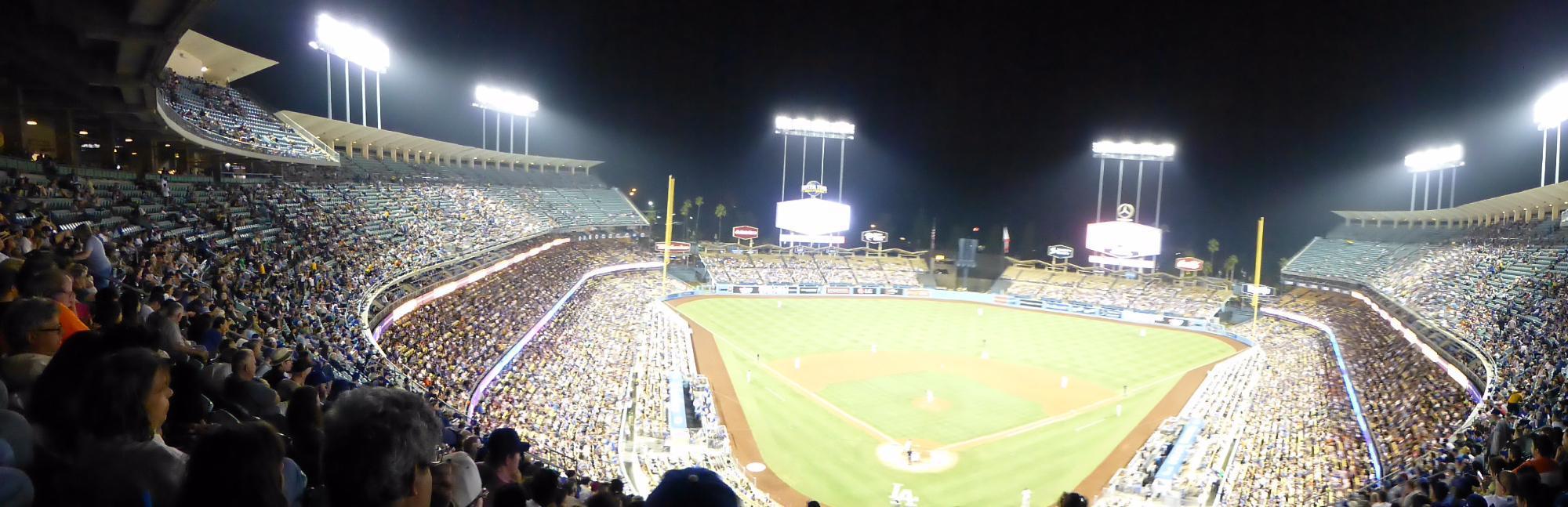 我是一个棒球迷,所以一般来说只要我去洛杉矶,我都会去看道奇队的