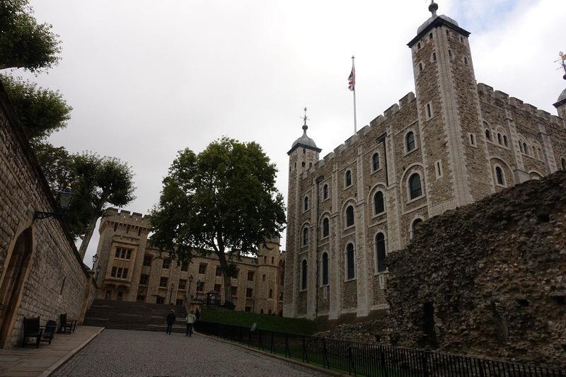 英国伦敦建筑黑白手绘