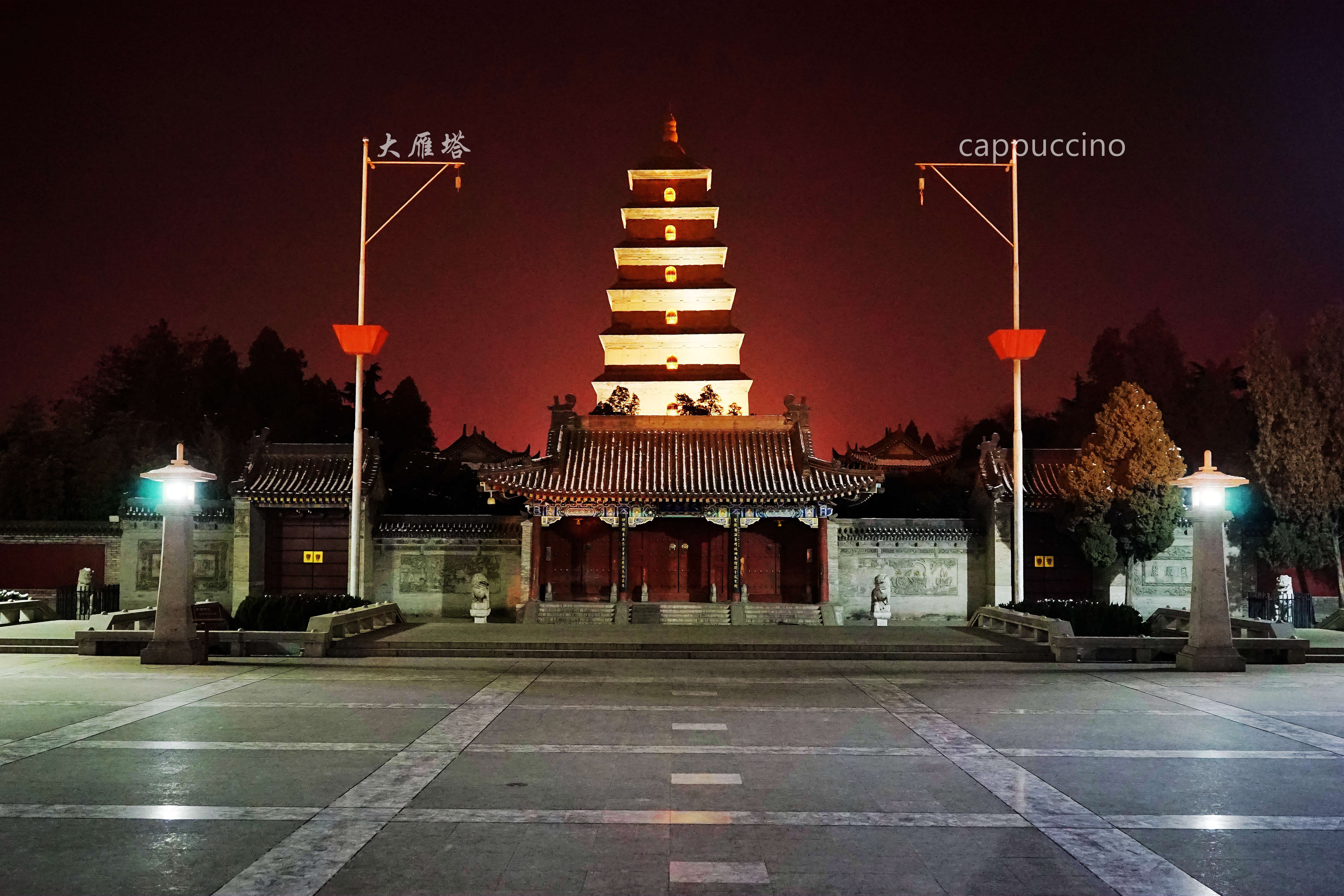 这个集休闲娱乐为一体的历史街区重现了西安大唐帝国辉煌盛世极具