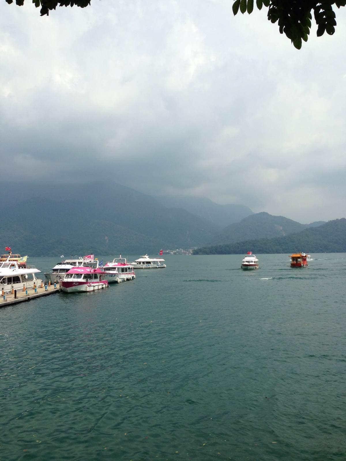 台湾日月潭……课本中小学中学小学习过,水是碧绿的,史家还不错景色印象划片图片