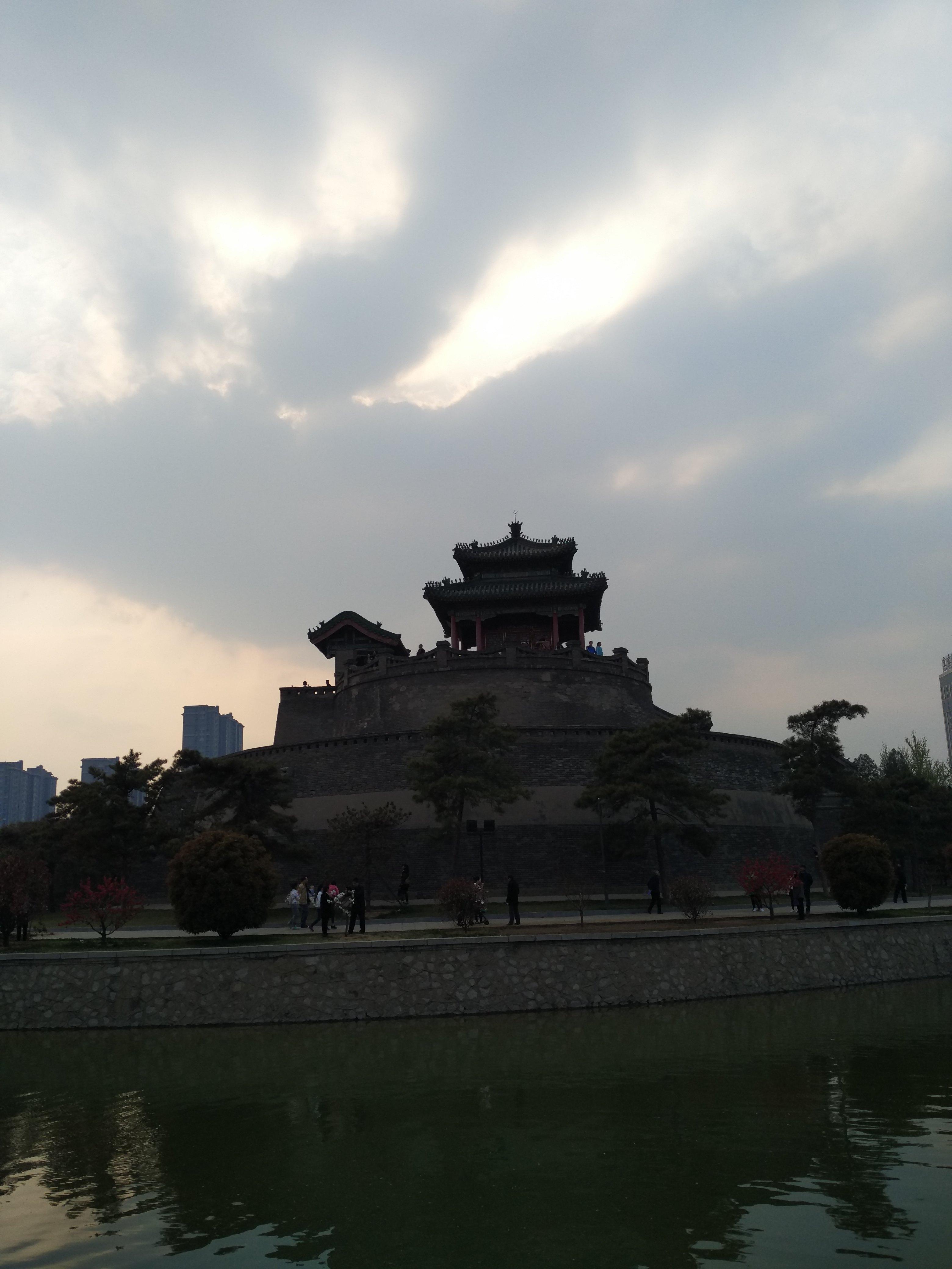邯郸骑马雕像简笔画