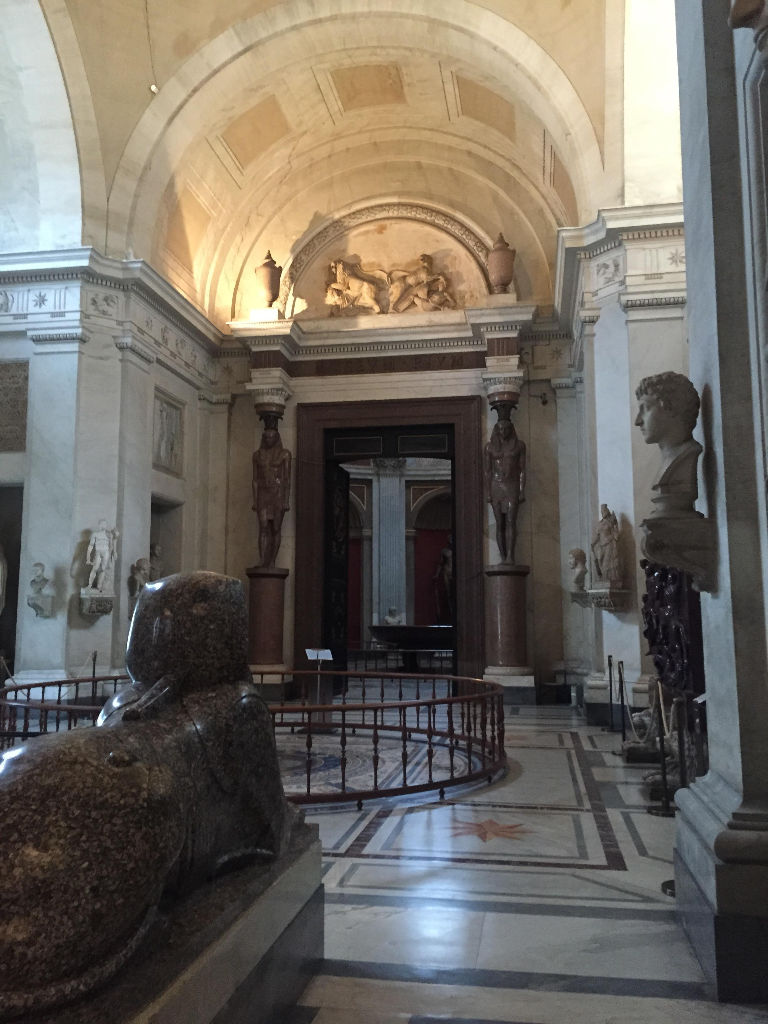 离开梵蒂冈博物馆的螺旋式楼梯