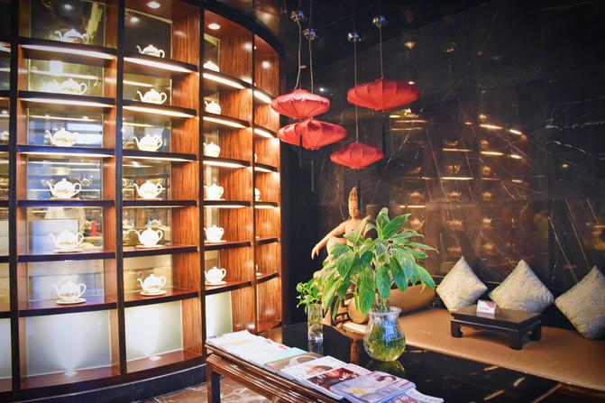 一进门儿的设计就让人眼前一亮,满柜的茶壶,古色古香.图片
