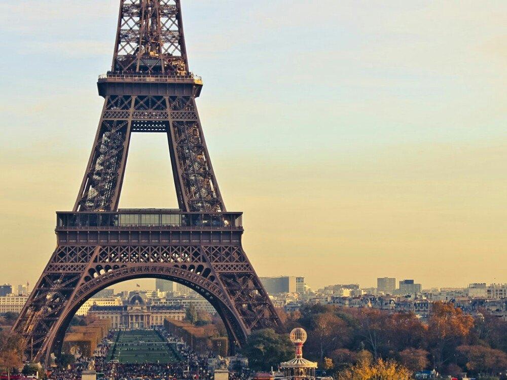 艾菲尔巴黎铁塔