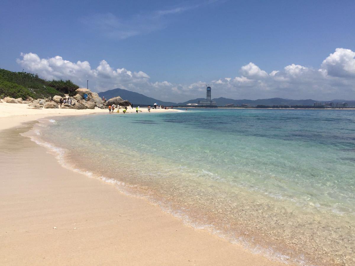 【携程攻略】海南蜈支洲岛景点,海水很清透,沙粒幼细