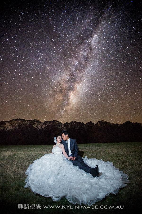 赣州银河欢乐影�_银河下见证爱的永恒-新西兰南岛唯美的夜空