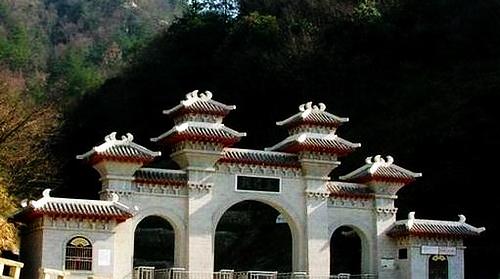 铜锣寨风景区