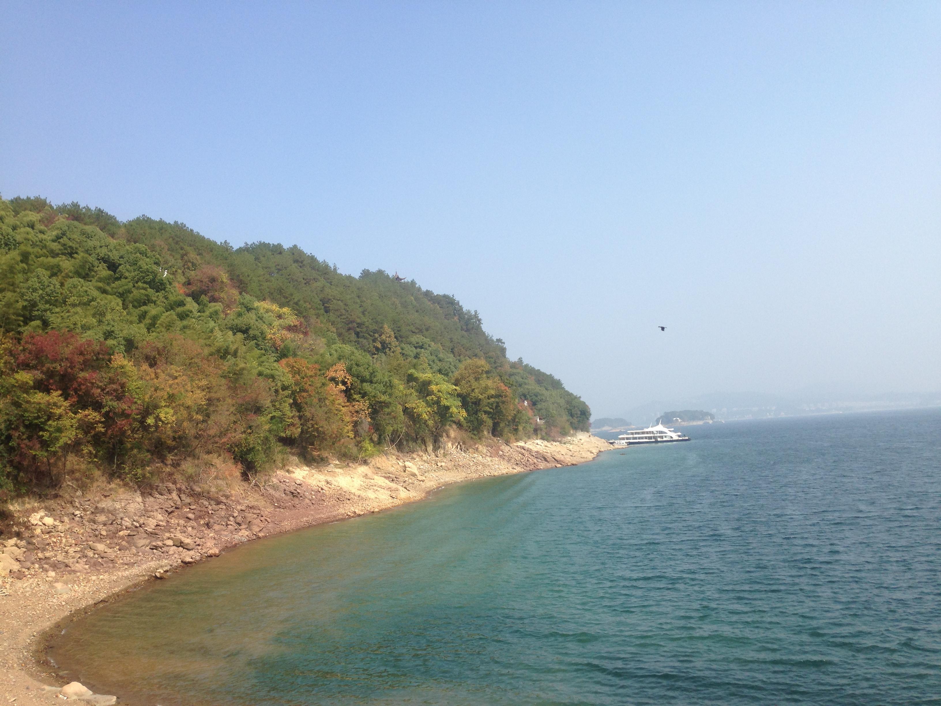 龙山岛景色,美丽的湖湾,海公