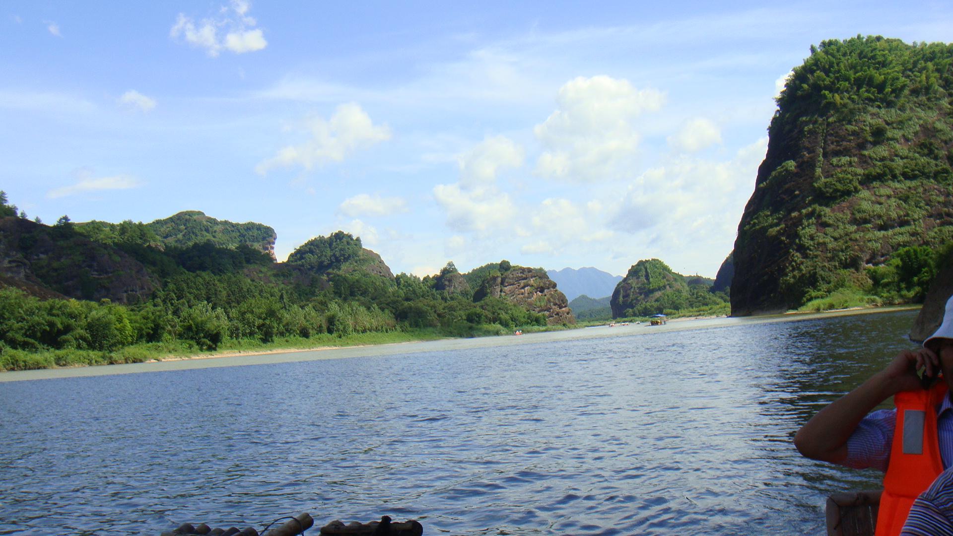 二龙山景区:增城二龙山旅游风景区:二龙山景区全景