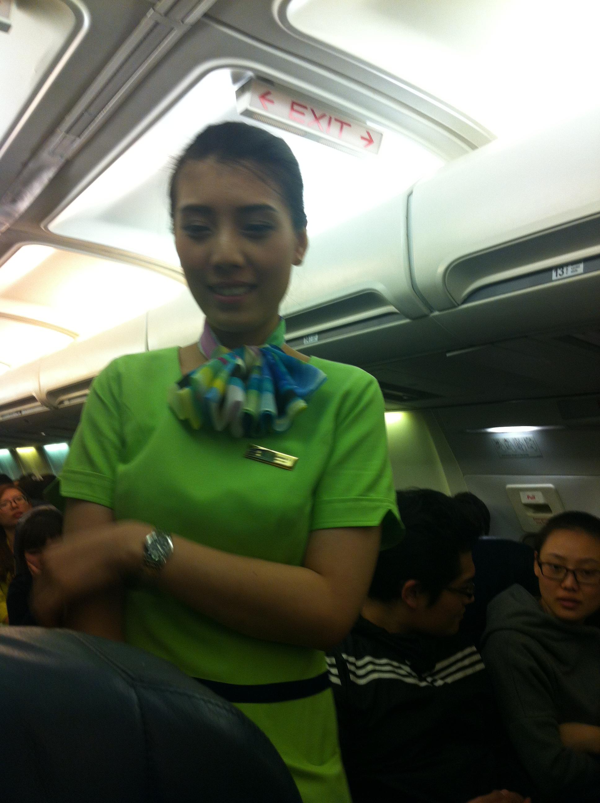 我们坐在泰国航空公司的飞机