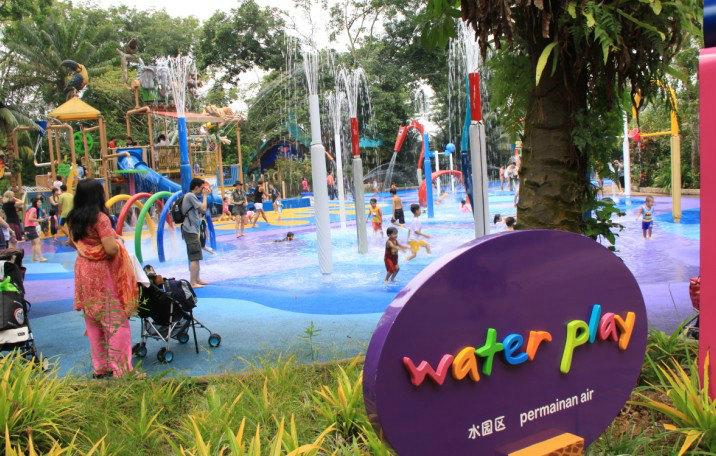 所以为什么到了新加坡的动物园里压根不会有任何异味.
