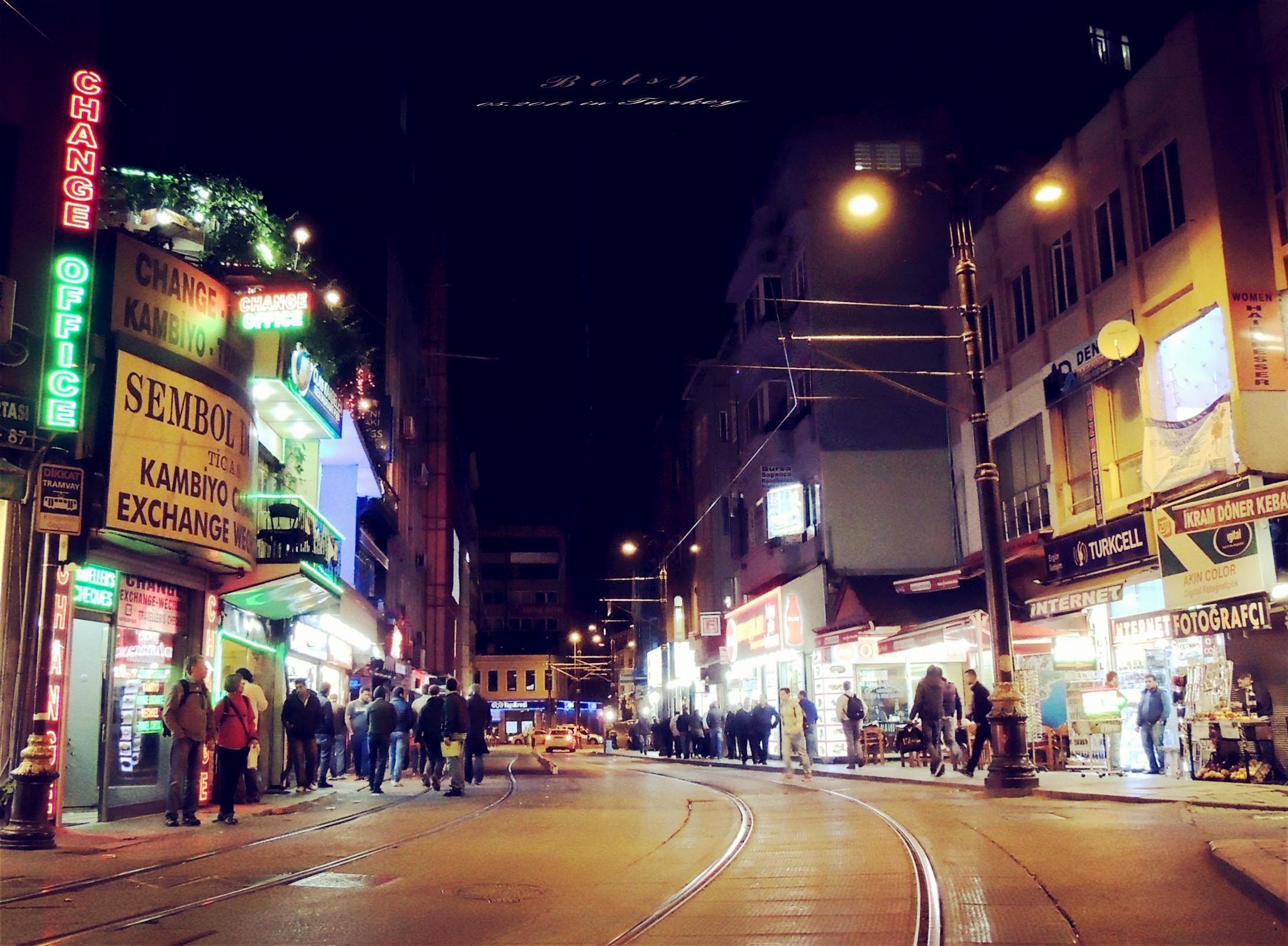 90年代贫民区城市街道夜景-欧洲90年代贫民区图片