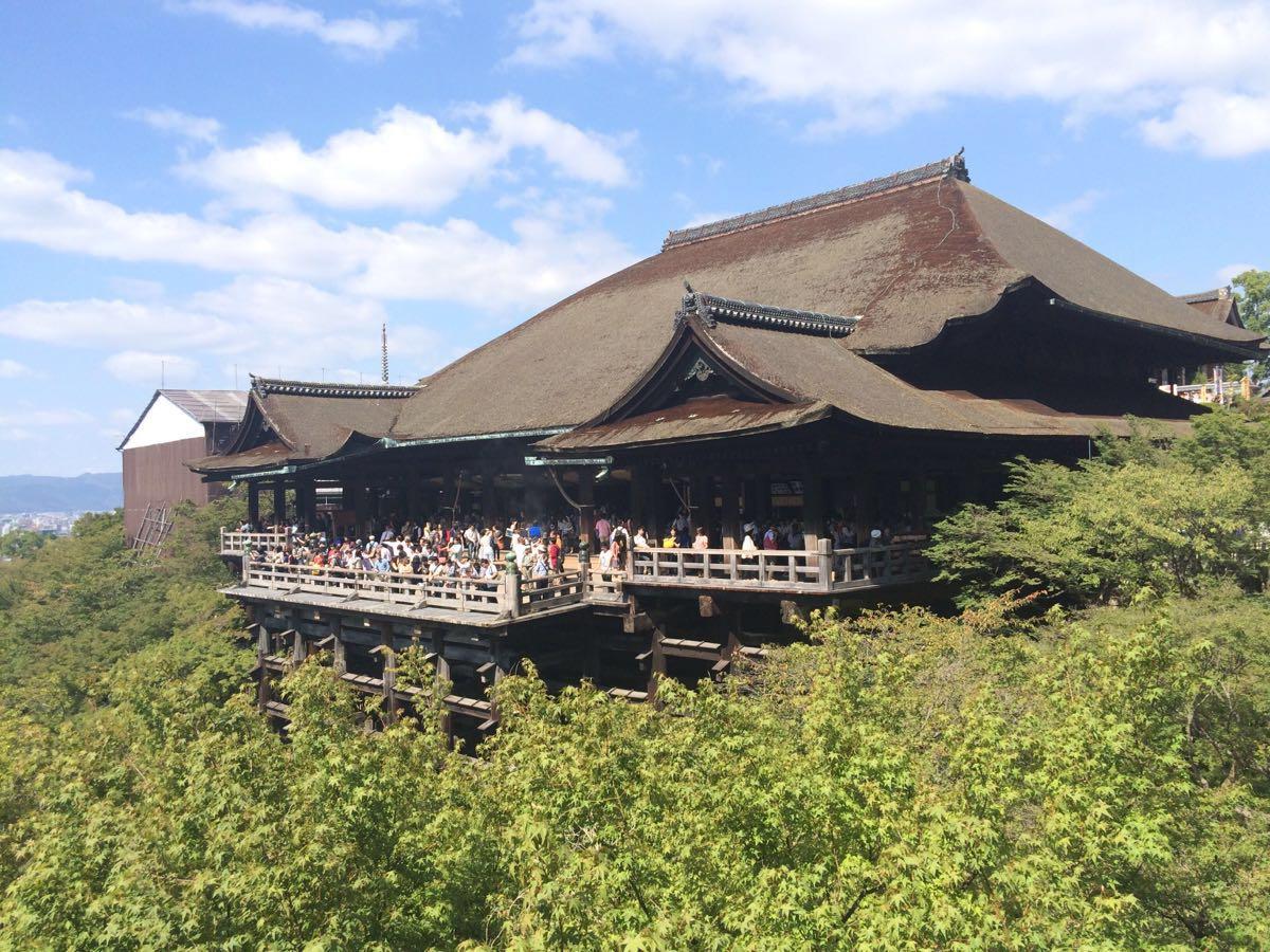 建立在山上的清水寺,仿佛是积木