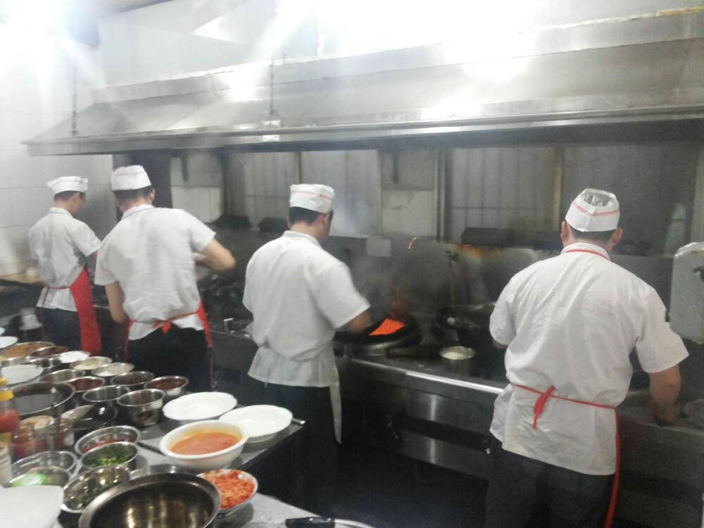 很特色的一家店,店里老厨师60多了还在炒菜!环境,服务,收费合理!图片